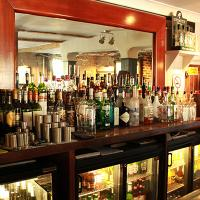 images/thumbnails/05-the-generals-arms-behind-the-bar.jpg